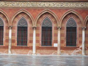 Corte interna di Palazzo Trecchi. Foto dell'autore