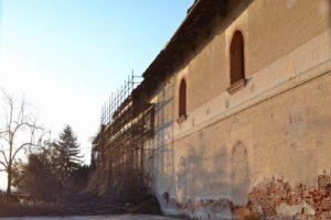 Facciata ovest del castello. Foto dell'autore